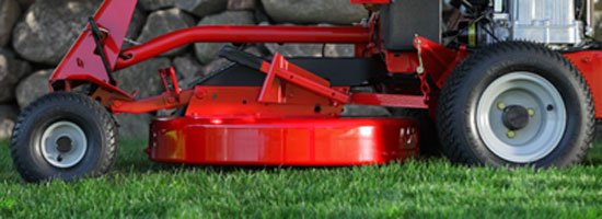 The Snapper Rear Rear Engine Riding Mower features a pivoting frame