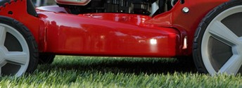 The Snapper HI VAC series or lawnmowers featuer rolled edged for better air flow